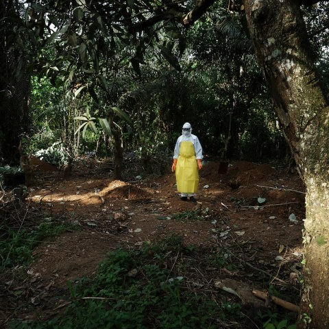 03 - EBOLA IN SIERRA LEONE (2014)